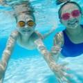 Fakta dan Bahaya Buang Air Kecing di Kolam Renang