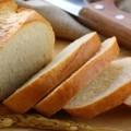 Hindari Makanan Ini Agar Kulit Bebas Jerawat